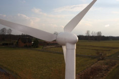 Herstellung von Gehäuseteilen und Rotorblättern für Kleinwindkraftanlagen