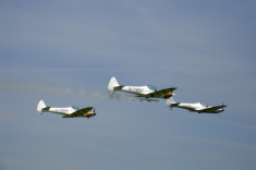 Formation with three planes