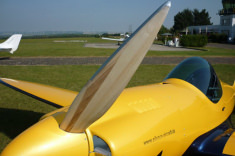 Wood prop mady by Silence Aircraft